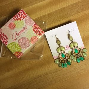 """Premier Designs """"Minty Fresh"""" Earrings"""